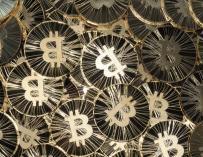 """El regulador financiero de Reino Unido advierte del """"alto riesgo"""" de obtener fondos a través de criptomonedas"""