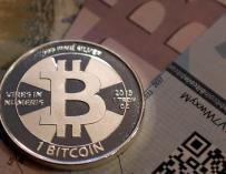 Noviembre de oro para el Bitcoin: dispara su precio un 50% y vale 136.500 millones