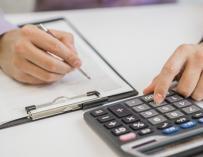Es posible facturar sin ser autónomos