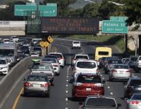 Los ciudadanos fueron alertados en las carreteras del error.