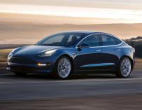 """El Model 3 de Tesla es el primer sedan """"asequible"""" de la compañía"""