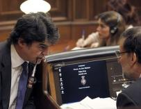 Jorge Moragas y Mariano Rajoy en el Congreso
