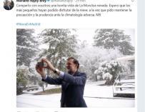 Fotografía de Mariano Rajoy haciéndose un selife en la nieve