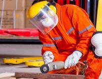 Hasta agosto se han registrado tres víctimas mortales menos en accidentes laborales que en 2016.