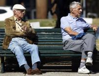 Los expertos ven inevitable prolongar la vida laboral y reducir la cuantía de las pensiones