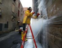Así es la droga  GHB que sirve realmente para limpiar los graffitis