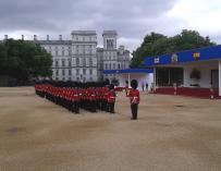 Los Reyes, recibidos por Isabel II y el Duque de Edimburgo al inicio de su viaje de Estado a Reino Unido