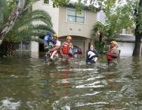El huracán Harvey golpea sin piedad la cuarta ciudad de EE.UU.