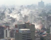 Fotografía cedida por el ciudadano Edgar Cabalceta que muestra una vista general de una zona de Ciudad de México hoy, martes 19 de septiembre de 2017