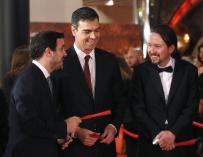 Alberto Garzón, Pedro Sánchez y Pablo Iglesias