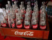 Imagen de botellas de Coca-Cola.