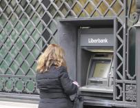 La CNMV prohíbe las ventas en corto y operaciones similares de Liberbank
