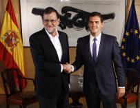 Rajoy y Rivera comienzan su reunión en un ambiente distendido