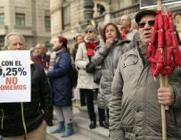 Pensionistas a las puertas del Congreso, esta semana.