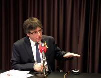 Carles Puigdemont durante una entrevista radiofónica