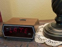 No es broma, tu reloj puede haberse retrasado / Evan