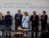 Firma de la subida del Salario Mínimo Interprofesional en Moncloa.