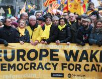 Carles Puigdemont, Francesc Homs, Marta Rovira y Artur Mas asisten a la manifestación independentista / Efe
