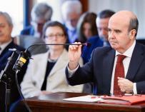 El exconsejero de Presidencia de la Junta de Andalucía, Gaspar Zarrías, durante su declaración hoy en el juicio de la pieza política de los ERE contra 22 ex altos cargos de la Junta, que continúa celebrándose hoy en la Audiencia de Sevilla.