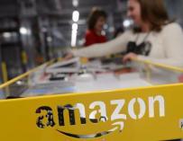 Fotografía de un almacén de Amazon.
