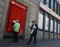 Sedes  del Banco Santander y del Popular en Madrid.