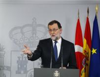 El presidente del Gobierno, Mariano Rajoy, durante la rueda de prensa conjunta que ha ofrecido en el Palacio de la Moncloa, junto al primer ministro turco, Binali Yildirim, con motivo de la VI Reunión de Alto Nivel hispano-turca, en la que abordarán las