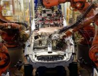 PSA en Vigo prevé un descenso de producción de 4.000 vehículos en octubre a mayores de la parada de una semana
