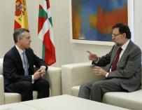 Rajoy y Urkullu coinciden en priorizar la economía y dialogarán sobre la paz