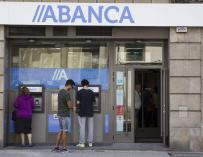 Abanca ofrecerá tarjetas de crédito de forma inmediata en sus oficinas