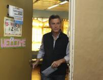 Nueva polémica en torno a Macri por una foto con la actriz adolescente Violetta
