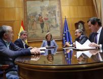 Reunión de los agentes sociales con la ministra de empleo, Fátima Báñez