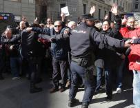 Manifestación de jubilados a las puertas del Congreso.