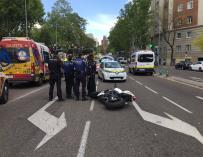 El Samur confirmó el fallecimiento de los dos ocupantes de la motocicleta (Foto: Emergencias Madrid)