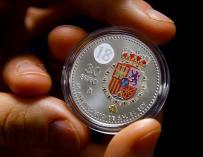 Así es la moneda con escudo a color que conmemora el 50 aniversario de Felipe VI