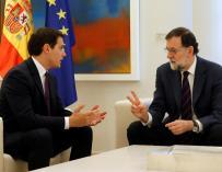 Rajoy y Rivera se reúnen para abordar diferencias sobre el 155.