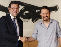 Fotografía de Mariano Rajoy y Pablo Iglesias