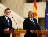 El presidente del Gobierno, Mariano Rajoy (i), y el primer ministro búlgaro, Boiko Borisov, en una rueda de prensa en Sofía en el primer día de la visita oficial que realiza a Bulgaria. EFE/Presidencia del Gobierno/Diego Crespo