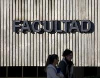 12.000 jóvenes siguen atrapados por los préstamos universitarios de Zapatero