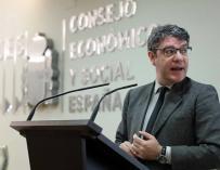 El ministro de Energía Álvaro Nadal en un acto del CES.