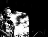 Fotografía del DJ sueco Avicii.