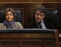 Isabel García Tejerina y Álvaro Nadal en el Congreso.