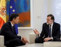 Pedro Sánchez y Mariano Rajoy en Moncloa.