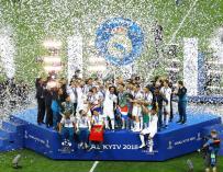 Los jugadores del Real Madrid celebran la Champions (EFE / EPA / ROBERT GHEMENT)