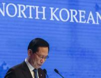 El ministro de Defensa de Corea del Sur, Song Young-moo, habla durante la segunda sesión plenaria del foro Shangri La en Singapur el 2 de junio de 2018. (EFE/EPA/WALLACE WOON)