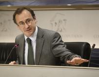 """Alfonso Alonso, sobre la consulta: """"Mas no es capaz de gobernar y eso es lo que va a precipitar las elecciones"""""""