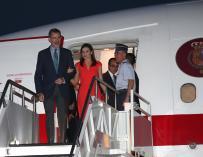 Los Reyes de España a su llegada al aeropuerto de Nueva Orleans