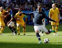 Griezmann transformó el penalti pitado por el VAR y fue sustituido