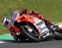 Lorenzo gana al fin con Ducati