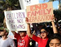 Fotografía de protestas contra las políticas de inmigración de Trump.