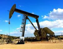 No es que el petróleo esté en países corruptos, es que hace corruptos a los países / Pixabay